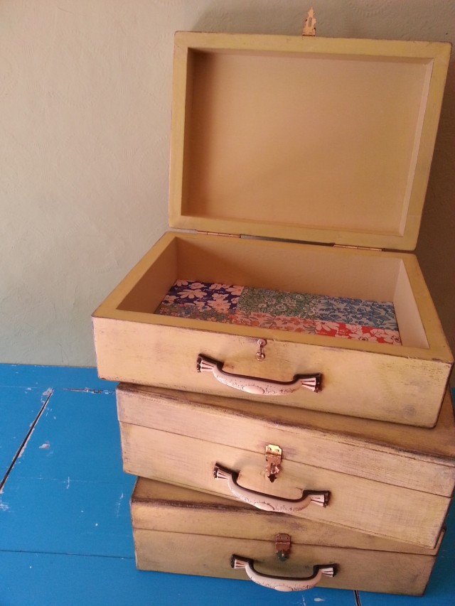 This Way Upcycle - Suitcase boxes