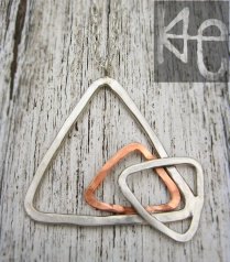 Triangulation Necklace 4 WM
